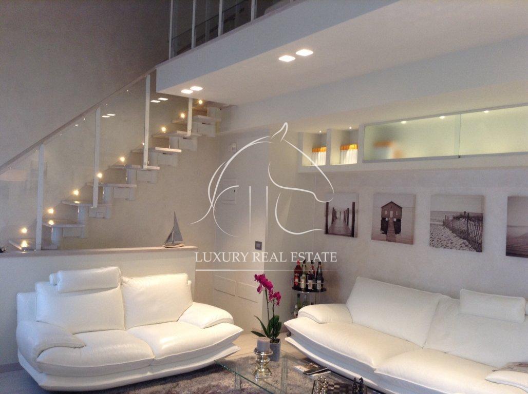 K.-Nr. 126 Renommierte Villa im modernen Stil in San Marino
