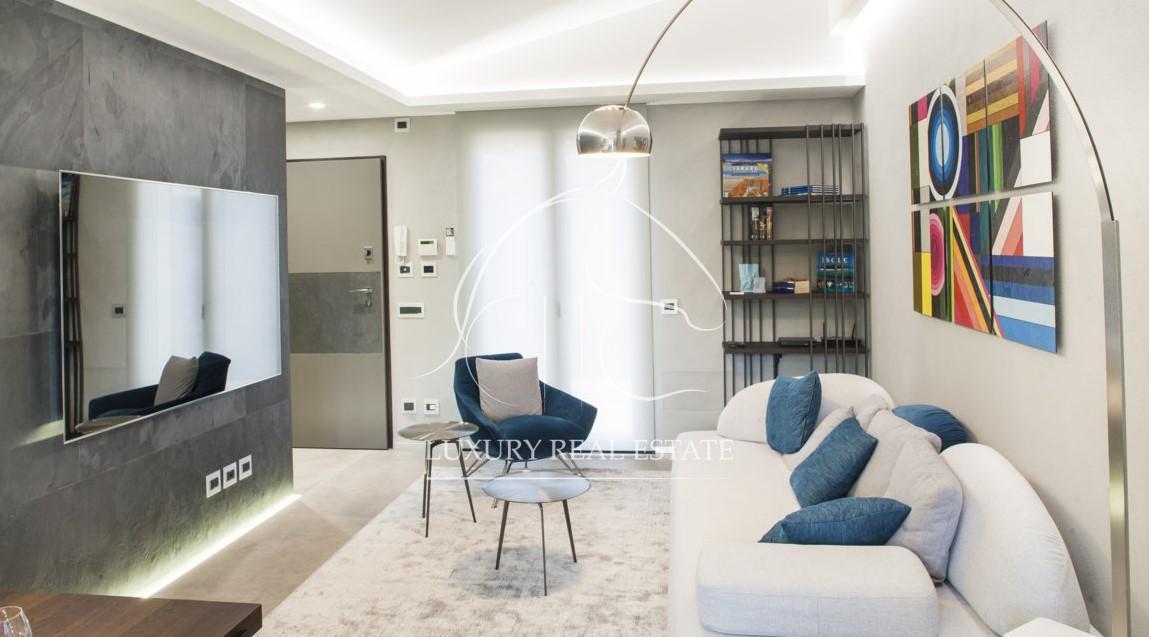 Rif. 241 Appartamento di prestigio con arredamento di alto design in zona San Michele (RSM)