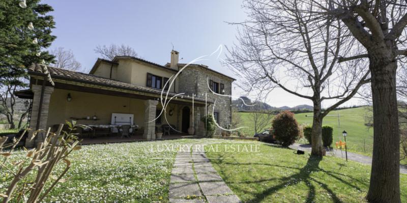 Rif. 349 Splendida villa con 10 h. terreno circostante zona Chiesanuova RSM